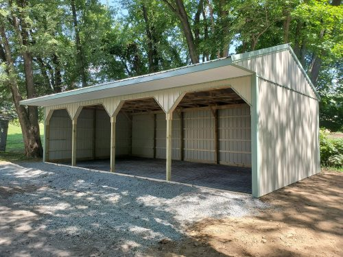 run-in shed for horses